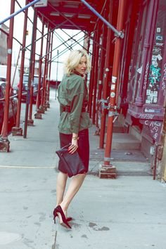 Edgy fall outfit - this army jacket is a new closet staple! Click through for more on this casual outfit for fall.   fall outfit idea   fall outfit inspiration   olive jacket   how to style an army jacket   how to wear an army jacket   army jacket outfit   military jacket outfit