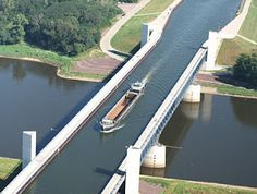 Magdeburg Water Bridge in Germany is one of the strangest bridges of the world because it is designed for the passage of ships over the river Elbe in Germany! The length of this waterway, 918 meters and width 43 m, and connecting channels between the Alps and Mitiland Havel in Germany.