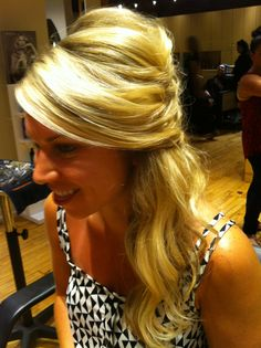 www.chicagostylelust.com Cascading curls. Twist to side loose half up hair style. Bride or Bridesmaid hair. Party or special event hair. Wedding hair style. Blonde modern loose hairstyle