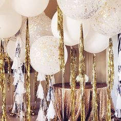 Balloons provide you with economical and easy way to add fanciful touch to any event. Here are few creative ways to add balloons to wedding anniversary decorations. 50th Wedding Anniversary Decorations, Anniversary Parties, Nye Party, Gold Party, Glitter Ballons, Glitter Glue, Disco Party Decorations, Balloon Decorations, Ideas Party