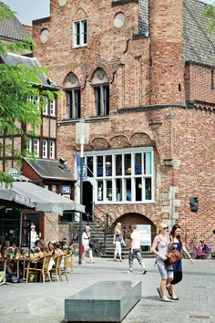 Den Bosch, The Netherlands. Complete city guides with must-sees, restaurants and hotels