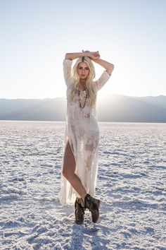 One of the most magical scenes I ever got to be a part of was when the sun set over the blue mountains of Badwater Basin, Death Valley, and cast its last rays across the salt flats. We were illuminated in a light that felt almost angelic, and it was an et Fashion Poses, Fashion Shoot, Editorial Fashion, Boho Fashion, Fashion Tips, Desert Photography, Photography Poses, Fashion Photography, Bohemian Mode
