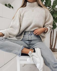 winter outfits for work . winter outfits for going out . winter outfits for school . Comfortable Winter Outfits, Cute Comfy Outfits, Casual Winter Outfits, Winter Fashion Outfits, Look Fashion, Stylish Outfits, Spring Outfits, Autumn Outfits, Comfortable Clothes
