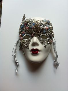 Bisque mask in slivers