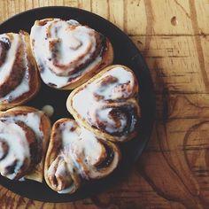 Farmhouse Touches - Iced cinnamon buns