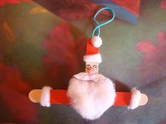 Ice-cream Stick/Craft Stick Santa via @indu