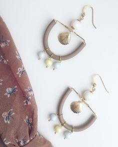 Goldfilled 18K caucciù and Swarovski beads earrings