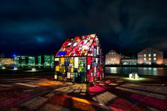 Kolonihavehus Tom Fruin Found Plexigalss steel paint