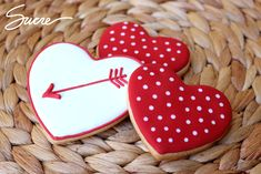 Find best ideas / inspiration for Valentine's day cookies. Get the best Heart shaped Sugar cookies for Valentine's day & royal icing decorating ideas here. Valentine's Day Sugar Cookies, Fancy Cookies, Heart Cookies, Iced Cookies, Cute Cookies, Royal Icing Cookies, Valentines Day For Boyfriend, Friends Valentines Day, Valentines Day Cookies