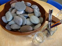 Stones & Water - Stimulating Learning #waterplay #rocks #reggioinspred #provocation
