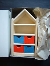 Bodo Hennig 1308 Kinderzimmerschrank Puppenhaus / Puppenstube wie NEU OVP