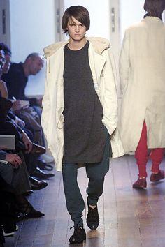 Yohji Yamamoto Fall 2005 Menswear - Collection - Gallery - Look 1 - Style.com