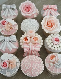 Vintage Cupcakes by Cotton and Crumbs, via Flickr