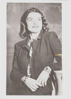 Jacqueline Bouvier, age 19 ❤❤❤ ❤❤❤❤❤❤❤…
