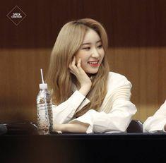 Yongin, Japanese Girl Group, Extended Play, The Wiz, Me As A Girlfriend, Korean Singer, Korean Girl Groups, Girl Crushes, Yuri