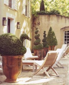 French Garden Pots for Spring! | Anduze & Ceramic Garden Planters | The Well Appointed House Blog
