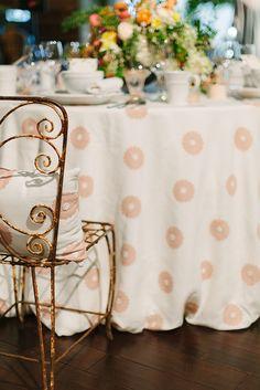 La Tavola Fine Linen Rental: Zoey Cameo Cream with Hemstitch White Napkins | Photography: Megan Clouse, Floral Design: Shot Gun Floral Studio