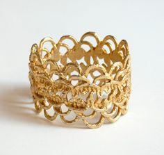 Vintage 70s Scalloped Gold Metal Clamper Bracelet