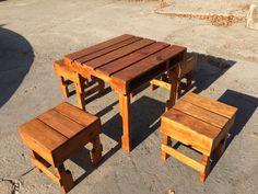 Mesa y bancas de Pallet para restaurante