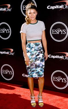 Sweet & Simple from Stars' Crop Top Style  Jessica Szhor keeps it fresh and simple with her 2014 ESPY Awards outfit.