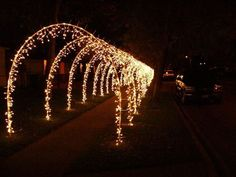 37 Creative Diy Outdoor Christmas Lighting Ideas - HOMEWOWDECOR Are you considering using outdoor Christmas lights this holiday season? If so, you are definitely not alone. Many people in … Christmas Lights Outside, Hanging Christmas Lights, Decorating With Christmas Lights, Christmas Yard, Christmas Night, Outdoor Christmas Decorations, Holiday Lights, Outdoor Xmas Lights, Outdoor Christmas Light Displays