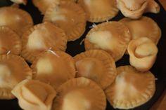Tészta, tészta, tészta! - Egy szakács naplója Pasta Maker, Tortellini, Ravioli, Stuffed Mushrooms, Food And Drink, Vegetables, Stuff Mushrooms, Vegetable Recipes, Veggies