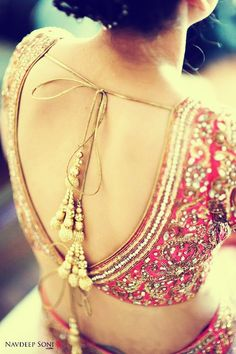 love the long tassels on the back of this choli! - for more follow my Indian Fashion Boards :)