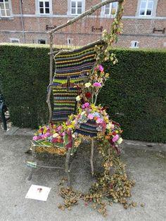 een heel artistieke stoel