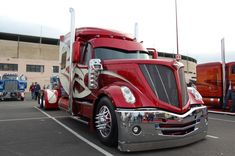 AMAZING CUSTOM SEMI TRUCK CAB - COOL CHROME AND CUSTOM PAINT - LOOK AT THAT FRONT BUMPER!