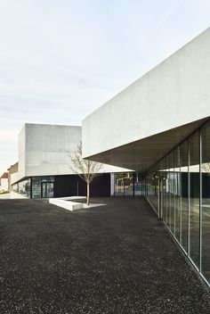 Gymnasium in Clamart | Dominique Coulon & associés; Photo: Eugeni Pons | Archinect