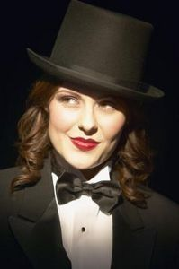 DIY: How to Make a Foam Top Hat... I need one of these for my costume!!
