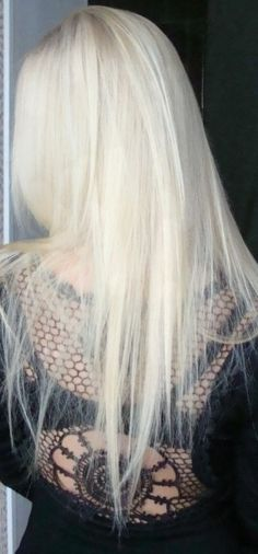 The color every blonde wants but will never have <3