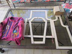Telar molde para hacer chalecos (Delantero, Manga y espalda) vienen 3 tallas en el mismo molde ( S/M L)  Valor: $30.000 el set.