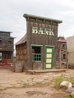 Old West Bank On Hwy on the way to Zion National Park, Best Western Coral… Western Theme, Best Western, Western Decor, Abandoned Buildings, Abandoned Places, Wild West, Play Houses, Bird Houses, Westerns