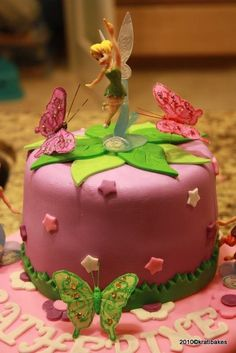 Tinkerbell Cake--Just like the faery idea Bolo Tinker Bell, Bolo Fack, Bolo Minnie, Birthday Cake Girls, Fairy Birthday, Birthday Cakes, Birthday Ideas, Fairy Cakes, Disney Cakes