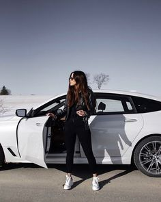 In life, it's not where you go, it's who you travel with Best Photo Poses, Girl Photo Poses, Fashion Photography Poses, Car Photography, Look Legging, Car Poses, Tumbrl Girls, Bmw Girl, Foto Casual