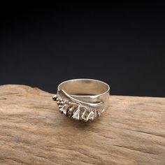 Zilveren ring deels gegoten in sepia van ZilverenZielen via Dawanda
