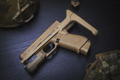 Glock Mods, Custom Glock, Cool Guns, Modern Warfare, Guns And Ammo, Military Art, Survival Skills, Firearms, Hand Guns