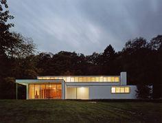 Villa Heusgen | Krefeld, Germany | Ludwig Mies van der Rohe | photo by Oliver Heissner
