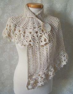 White asymmetrical capelet Crochet pattern PDF by Berniolie