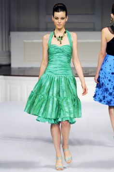 Oscar de la Renta Spring 2011 RTW - Review - Fashion Week - Runway, Fashion Shows and Collections - Vogue
