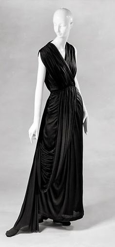 Madame Grès Dress - 1937-39 - by Madame Grès (Alix Barton) (French, 1903-1993) - Silk - The Metropolitan Museum of Art - @~ Mlle