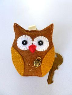 Handmade Felt Owl Keyring/Bag Charm by SewJuneJones on Etsy. Wonder Zoo, Secret Santa Presents, Little Owl, Red Felt, Felt Hearts, Handmade Felt, Gifts For Family, Teacher Gifts, Fundraising
