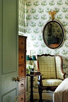 LEGENDARY FABRIC & WALLPAPER PATTERNS THAT ARE TIMELESS
