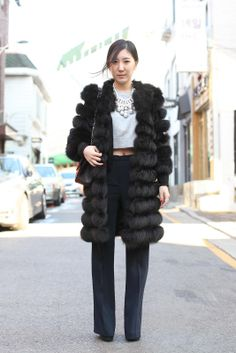 5 daring street style looks from Seoul