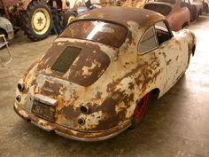 1951 Porsche, niks aan doen, zo zie je ze nl nooit rijden. Alleen nice and shiny.