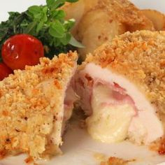 Juicy and tender farm asssured chicken Buy Online - Chicken Cordon Bleu Chicken Cordon Blue, Oven Fried Fish, Pollo Recipe, How To Cook Ham, Cordon Bleu, Fries In The Oven, Easy Chicken Recipes, Food Preparation, Soul Food