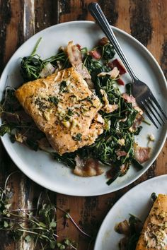 Whole30 Garlic Salmon | Salmon marinated in garlic atop a bacon and watercress salad that's Whole30-approved | thealmondeater.com