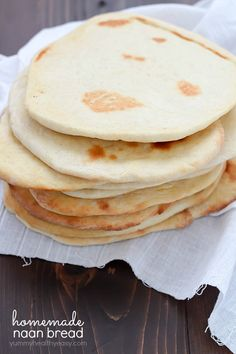 Ever tried naan bread? It's a leavened, oven-baked flatbread found in Indian cuisine - and it's delicious! Here's an easy homemade naan bread recipe you can make at home.