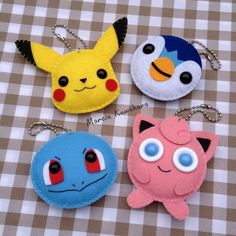 Make a poke ball page with different Pokémon Pokemon Ornaments, Felt Ornaments, Cute Crafts, Felt Crafts, Crafts For Kids, Sewing Toys, Sewing Crafts, Sewing Projects, Cute Christmas Decorations